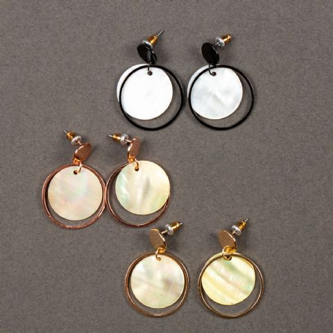 CLAIRE DISC SHELL EARRINGS GOLD